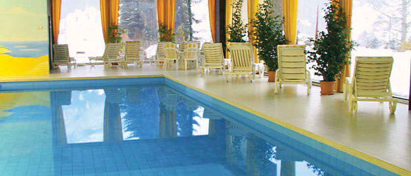 Switzerland_Grindelwald_Romantik-hotel-Schweizerhof_Indoor-pool2.jpg